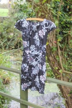 womens thrifty fashion winter wardrobe clothing essentials-10