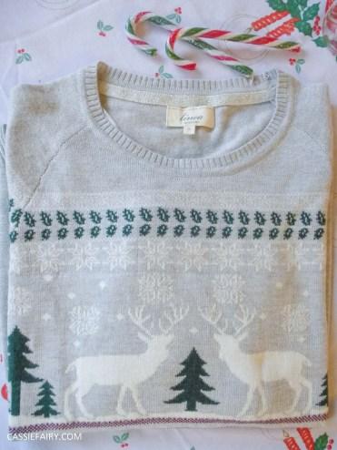 christmas jumper festive gift inspiration shirt text santa-2