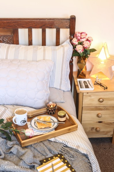 DIY romantic breakfast in bed valentines day date ideas inspiration_-2