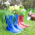 Weekend DIY project – Welly boot plant pots