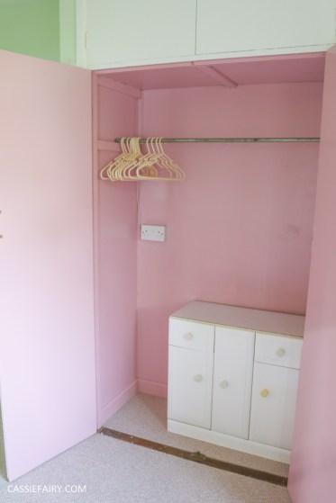 bright colour pink painted bedroom cupboard wardrobe interior diy interior design idea-10