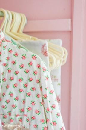 bright colour pink painted bedroom cupboard wardrobe interior diy interior design idea-8