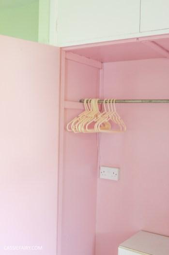 bright colour pink painted bedroom cupboard wardrobe interior diy interior design idea-9