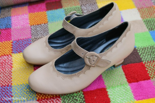 comfortable classy stylish shoes fashion trend for blog awards ceremony from hotter-14