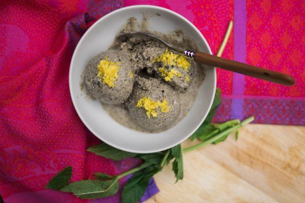 Recipe-ebook-summer ice cream black sesame seeds and lemon