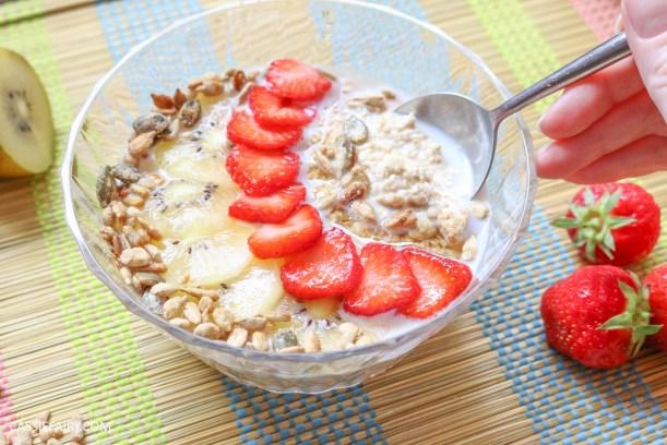 sunday brunch breakfast soasked oats fruit seeds healthy recipe-7