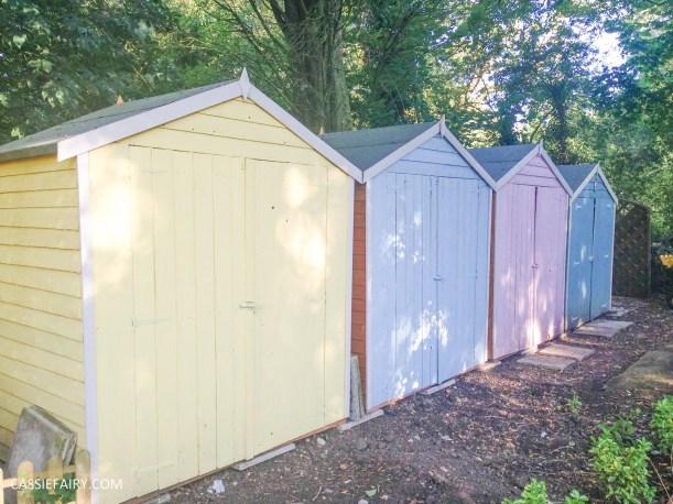 summer holiday beach huts seaside garden design interior decorating backyard inspiration