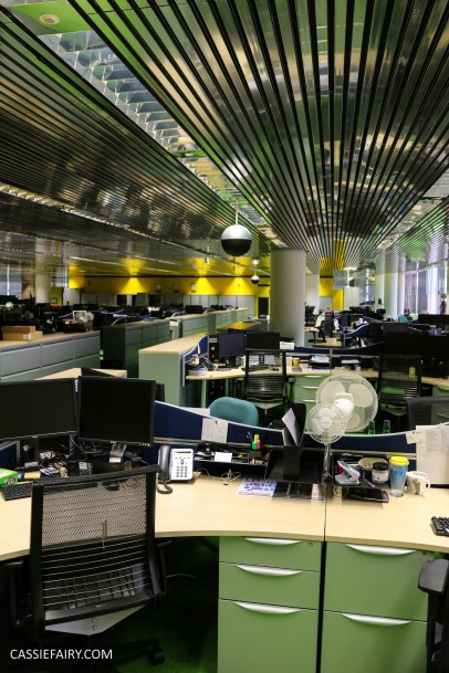 norman-foster-utopian-black-glass-willis-building-ipswich-suffolk-yellow-and-green-interior-office-70s-1970s-17
