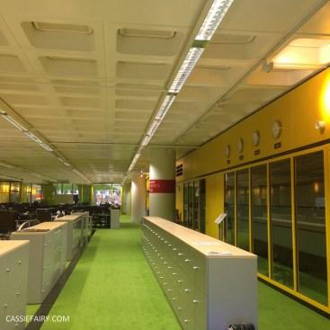 norman-foster-utopian-black-glass-willis-building-ipswich-suffolk-yellow-and-green-interior-office-70s-1970s-26