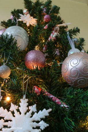 christmas-decorations-pink-heritage-vintage-glittery-trend-winter-2016-baubles-decorations-xmas-15