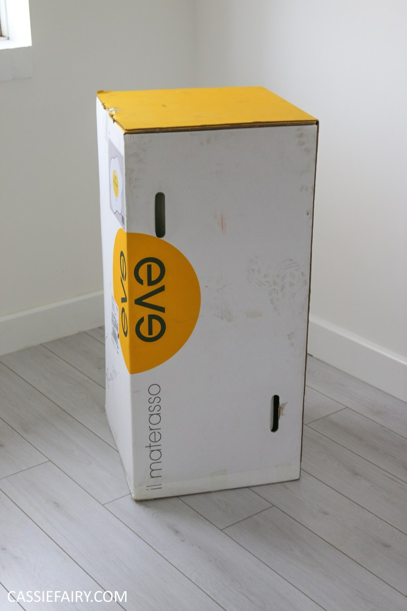 eve memory foam mattress unboxing bed kingsize bedding-1 |
