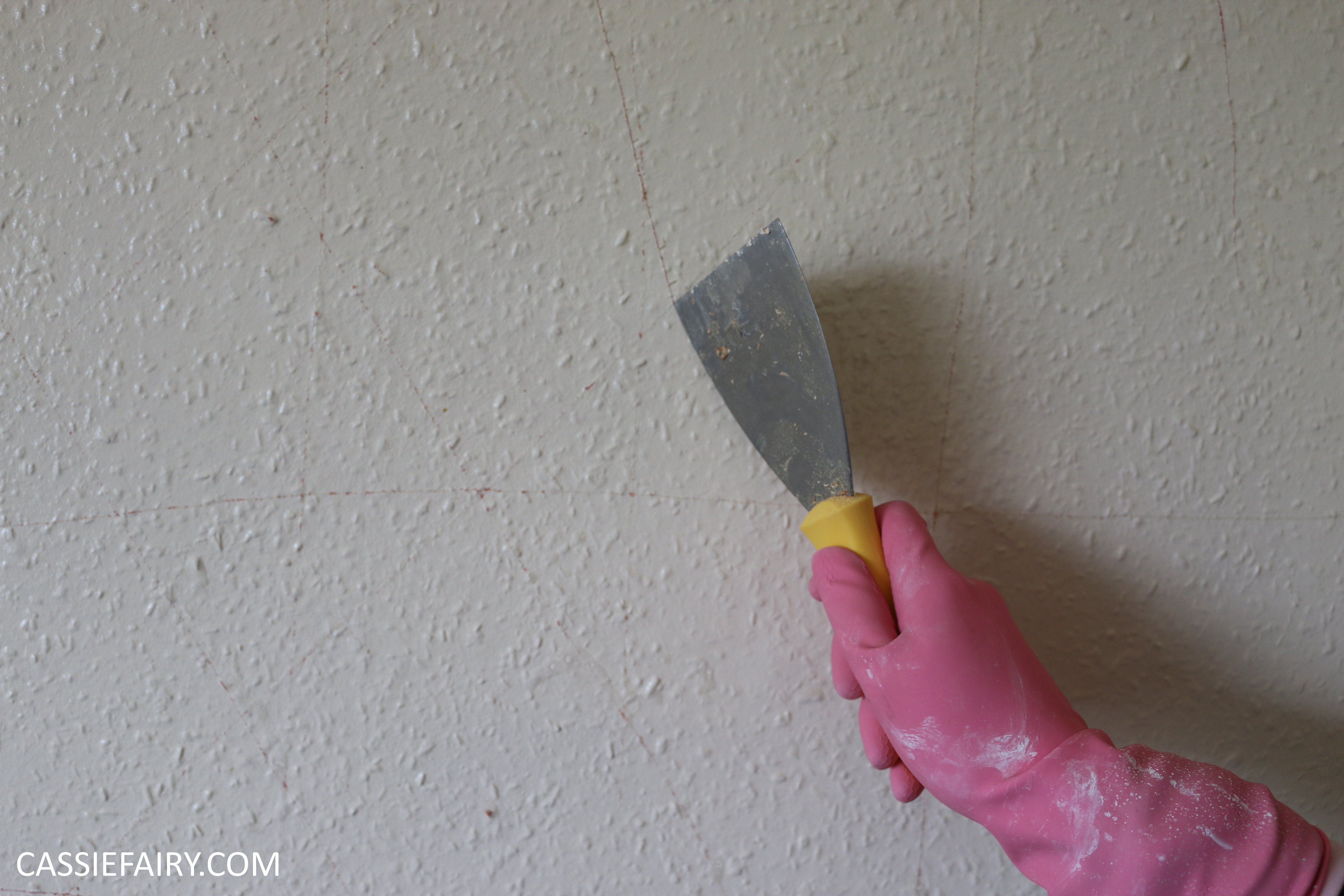 Household Diy How To Strip Woodchip Wallpaper The Easy