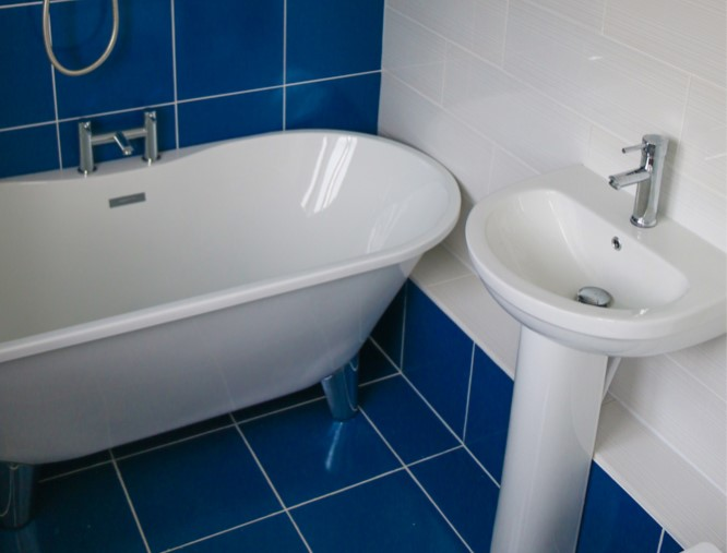 The (almost) DIY en-suite bathroom