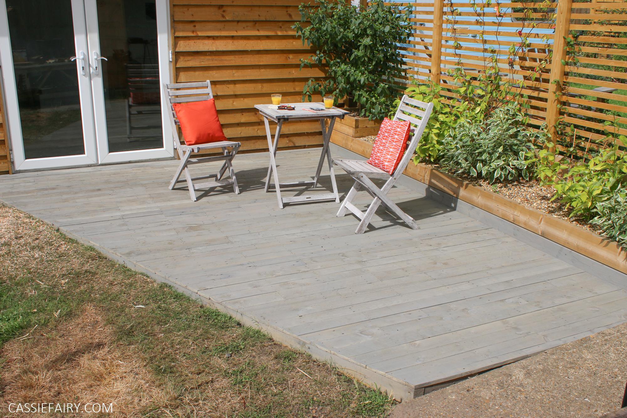how to diy a garden deck using pallet wood