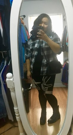 lazy, fall, fall uniform, flannel, leggings, combat boots, cassie wears what, cassiewearswhat.com