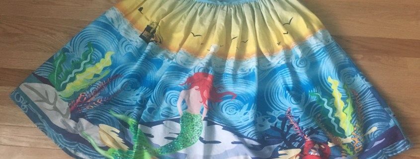 mermaid, mermaid skirt, cassie wears what, cassiewearswhat.com