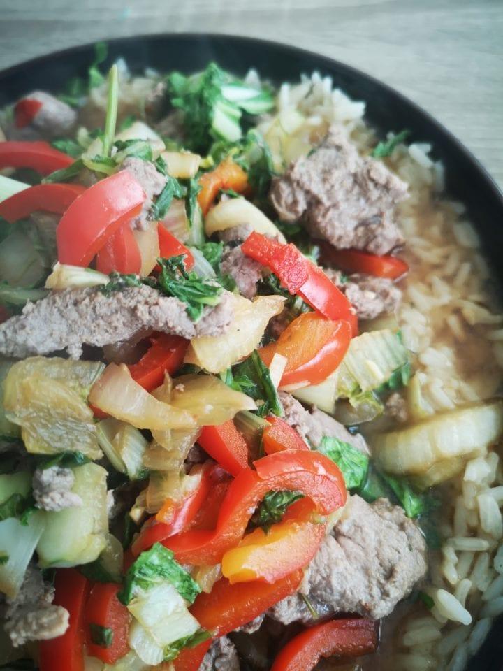 hello fresh RECEPT | Wokschotel met biefstukreepjes en paksoi momambition.nl snel recept thais recept foodblog foodie