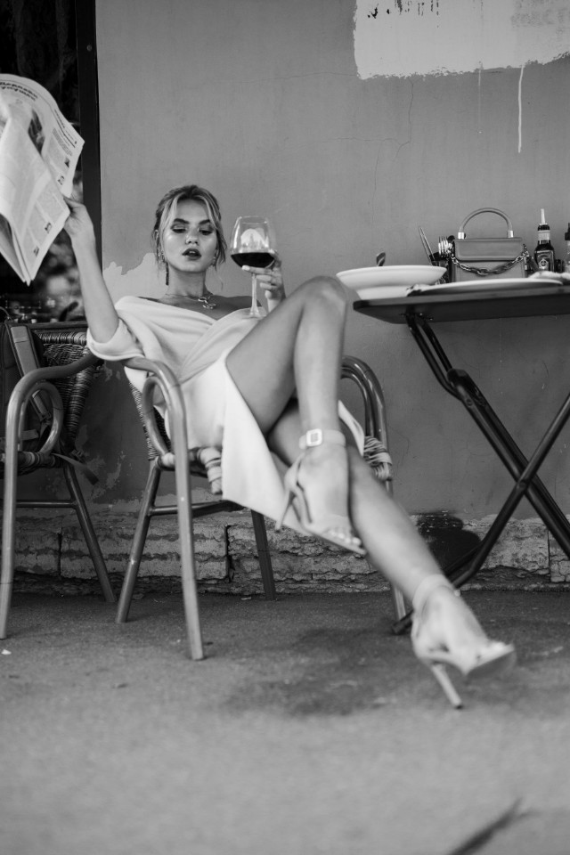Model Varyabaikova looks beautiful on black and white photograph