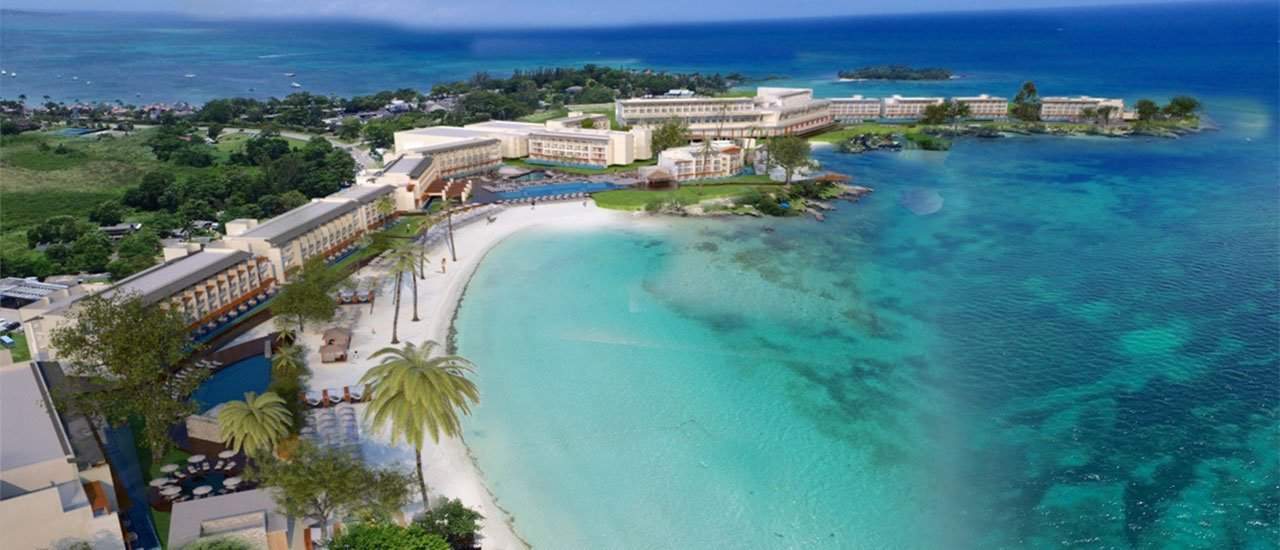 Grand Lido Negril is a very exclusive au Naturel resort in Jamaica