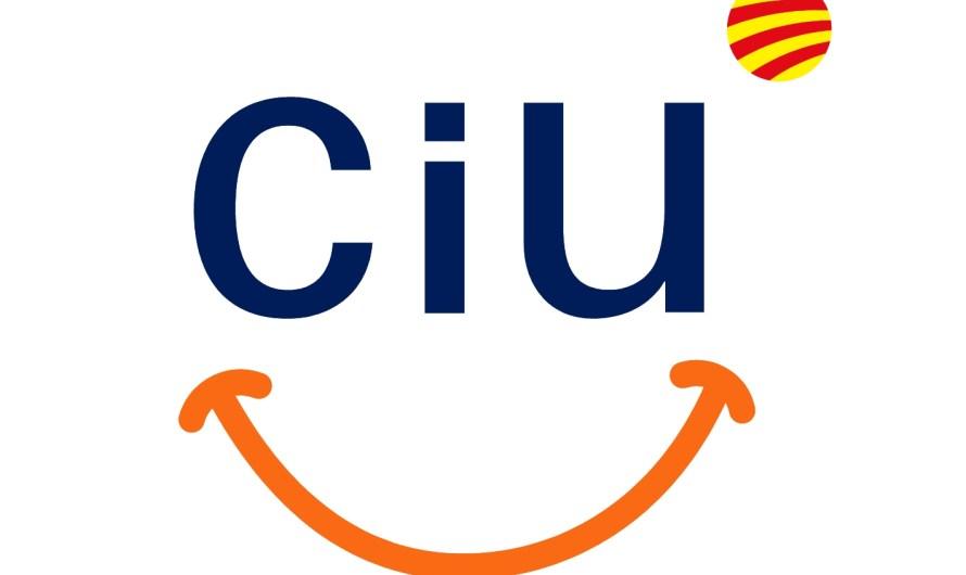 Una representació de Convergència i Unio de Castellbell i el Vilar asisteix a la sesió de control del Parlament de Catalunya