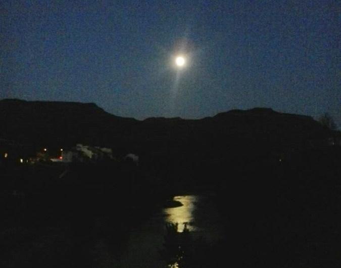 Una revetlla amb lluna plena