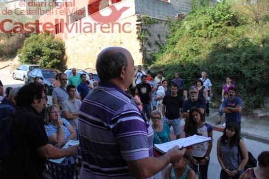 El director teatral Pere Anton Lapeña donant les ultimes instruccions abans del assaig general