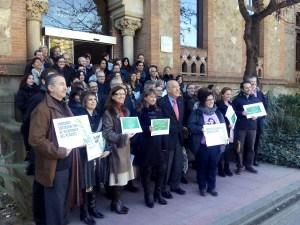foto de grup de tots els centres acreditats amb el Conseller de Salut, Boi Ruiz