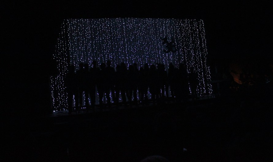 Els Singfònics fan gaudir a un públic entregat del Festival cant Coral de Castellbell i el Vilar .