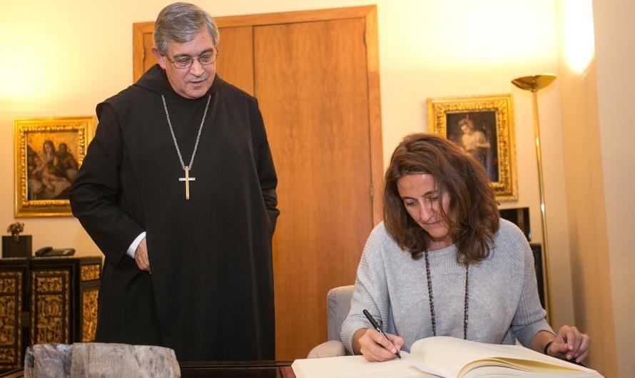 La presidenta de la diputació Carme Conesa visita el monestir de Montserrat