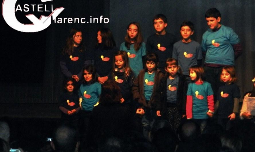 La Capella de Música Burés i el cor infantil de la Formiga homenatgen a Joan Farràs .