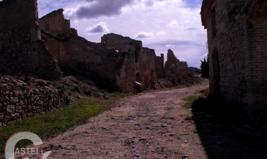 Un centenar de veins de Castellbell i el Vilar, visiten els escenaris de la Batalla de l´ebre
