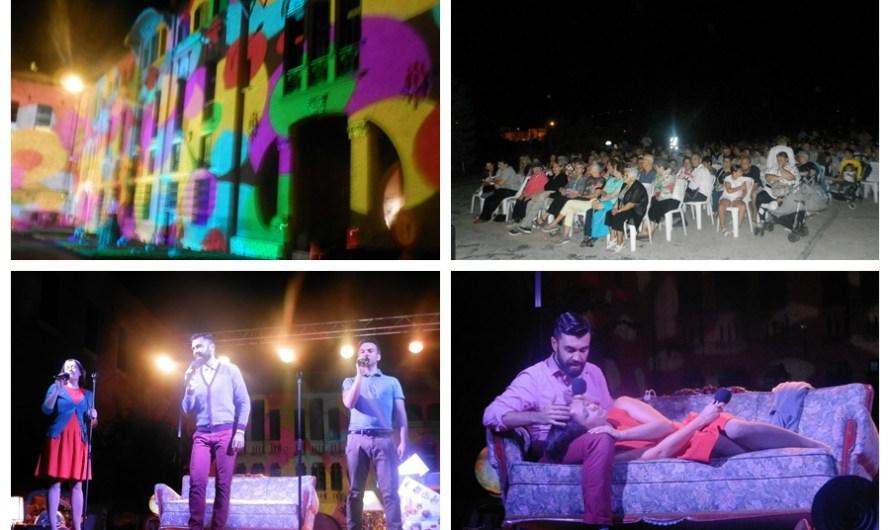 Festa Major Castellbell i el Vilar'16: El musical «Lo tuyo y lo mío», omple l'esplanada de l'edifici modernista de la fàbrica de la Bauma.