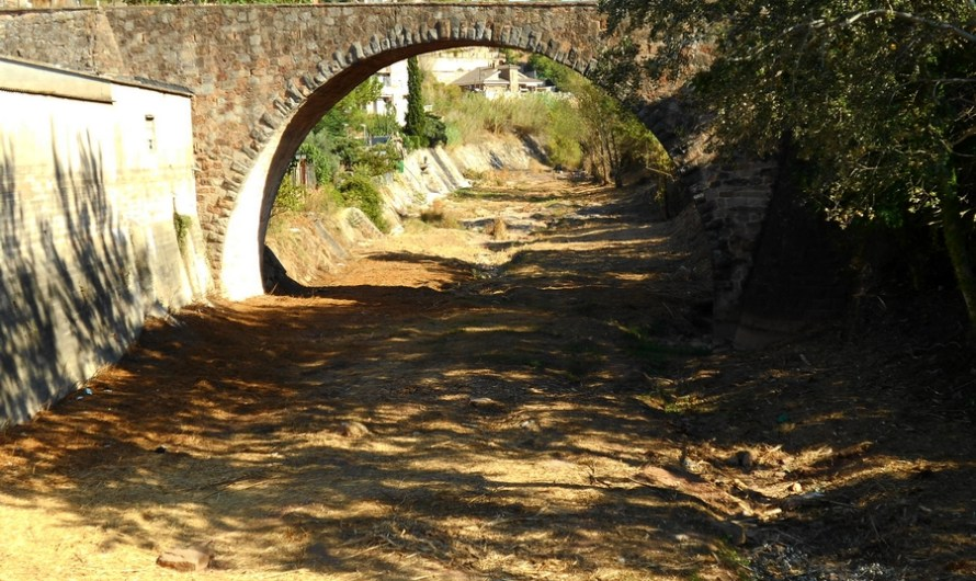 L'Ajuntament de Castellbell i el Vilar substitueix el clavegueram del carrer Riera a la Bauma