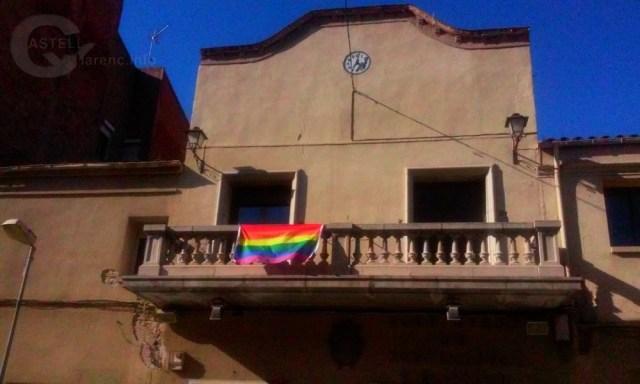 Bandera LGTBI façana Ajuntament