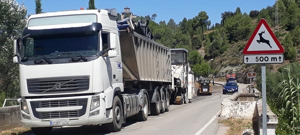 Comencen a asfaltar la travessera C1411a, a Castellbell i el Vilar.