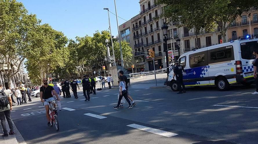 Una veïna de Castellbell i el Vilar, testimoni del desallotjament, per una maleta abandonada a Barcelona