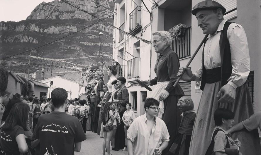 La colla gegantera de Castellbell i el Vilar actua al barri del Xup (Manresa) i a Viserta (Monistrol de Montserrat).
