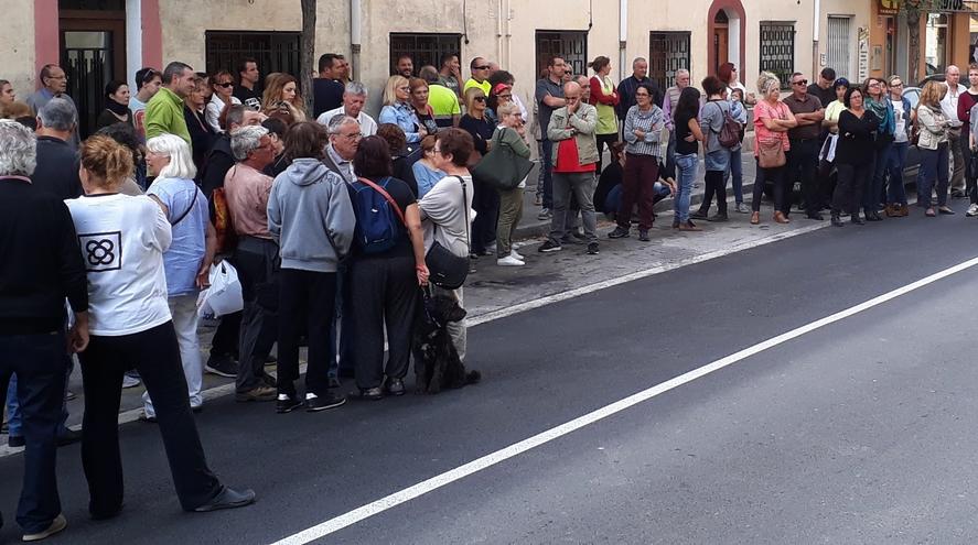 Castellbell i el Vilar diu prou a les actituds repressives policials del diumenge 1 d'octubre.