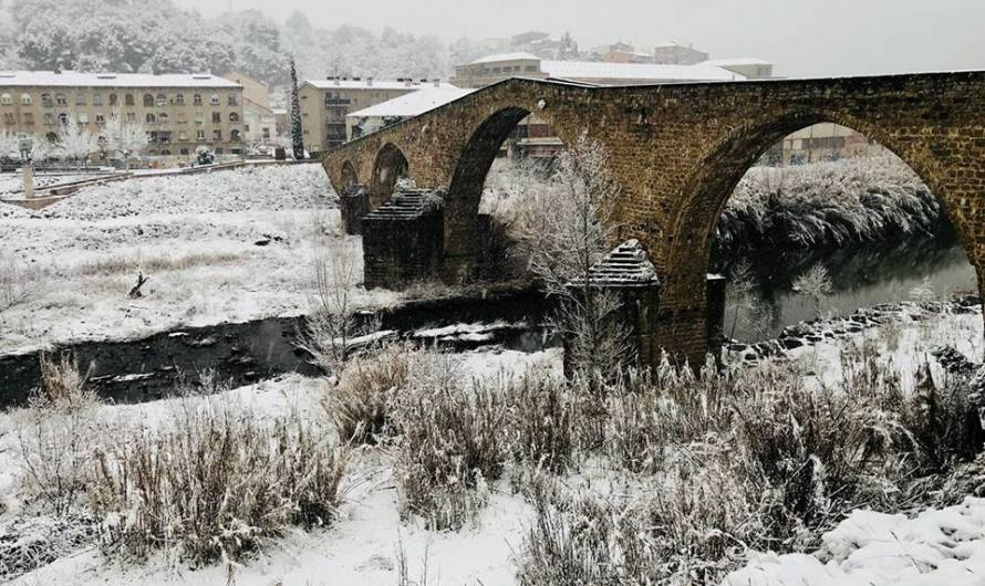 Fotos de la nevada penjades per usuaris de xarxes socials