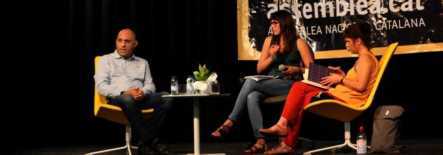 La Periodista Madrilenya Beatriz Talegon i l'ex Magistrat, Elpidio José Silva, debaten a Sant Vicenç de Castellet, la politització de la Justícia