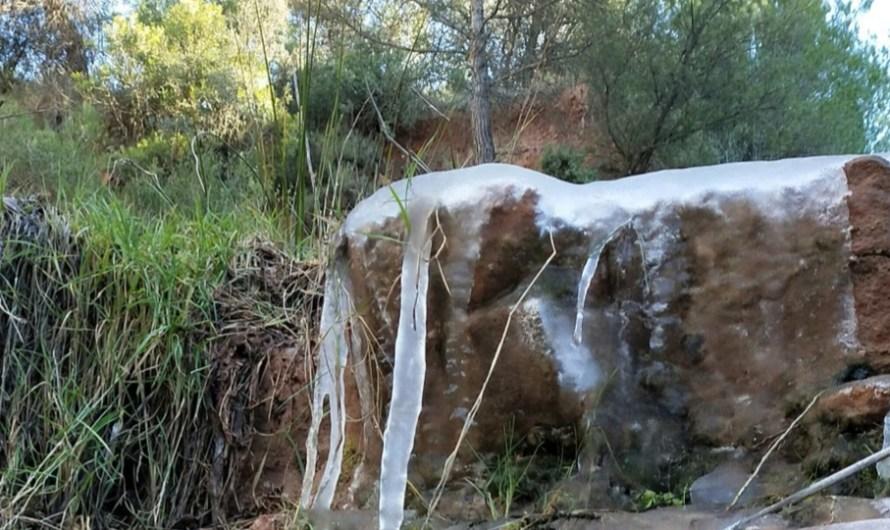 Així van quedar gelades les rieres del nostre entorn pel riguros fred .