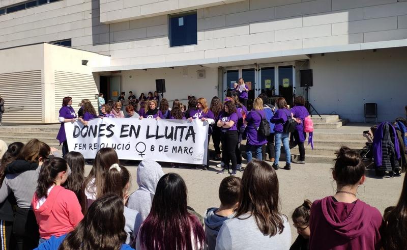 Primer 8 de març de FEM Lluita a Sant Vicenç de Castellet
