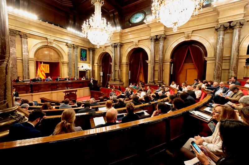 El Parlament de Catalunya, aprova mocions sobre la fibra òptica, les persones desaparegudes, la seguretat, els centres especials de treball, la precarietat laboral, el vot a l'exterior i la mobilitat