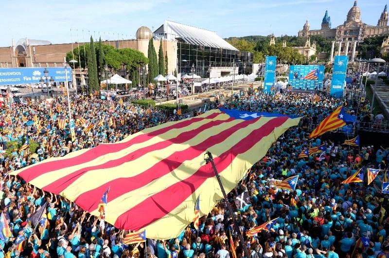 """L'independentisme reclama """"unitat estratègica"""" en una Diada amb una mobilització més baixa que anys anteriors"""