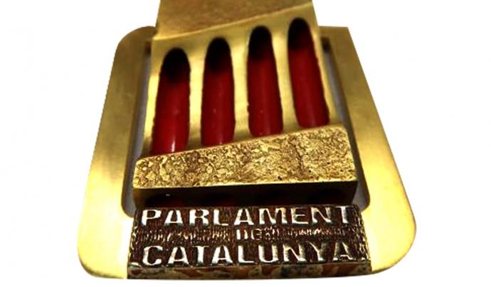 La medalla d'or del Parlament pels sanitaris que han lluitat contra la Covid-19.