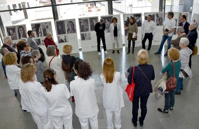 L'Hospital Sant Joan de Déu acull una exposició per sensibilitzar sobre les persones que conviuen amb una ostomia