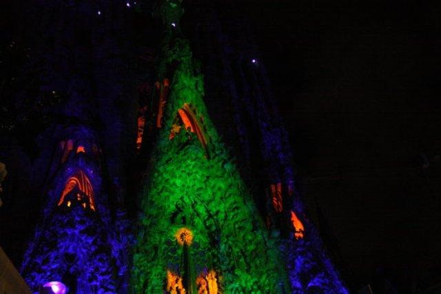 La Sagrada Família de Barcelona retransmetrà online la il·luminació de la façana de la Passió