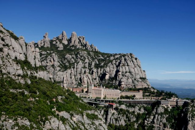 Montserrat reobrirà per Sant Joan amb l'aforament limitat al 50%