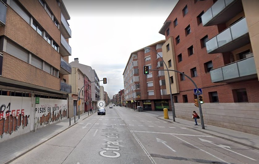 Detinguda una conductora a Manresa després de xocar contra unes pilones