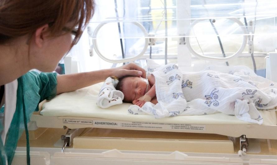Althaia i Som Prematurs signen un acord per donar suport als pares i a les famílies de nadons prematurs
